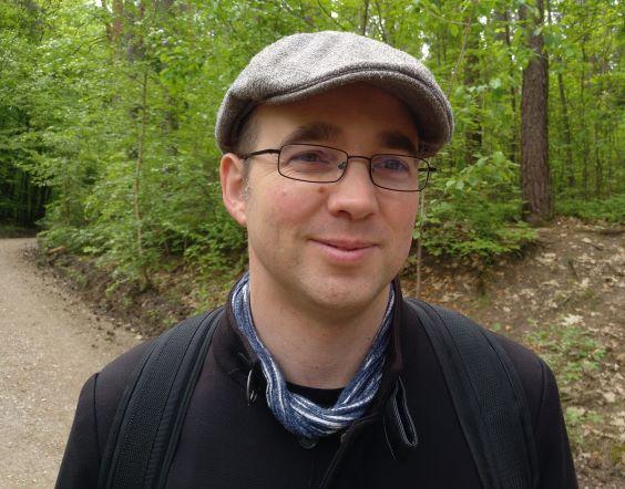 """Der """"ETF_Yogi"""" beim Spaziergang im Wald."""
